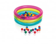 Bazén s míčky